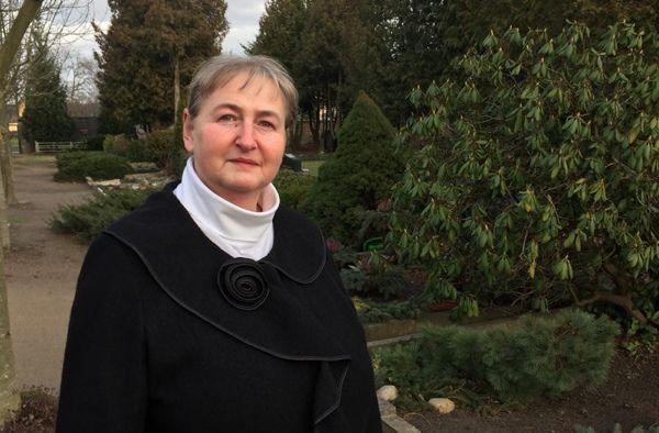 Portrait von Bettina Schiller, Trauerrednerin